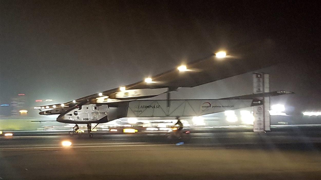 L'atterrissage du Solar Impulse 2 à Abou Dhabi