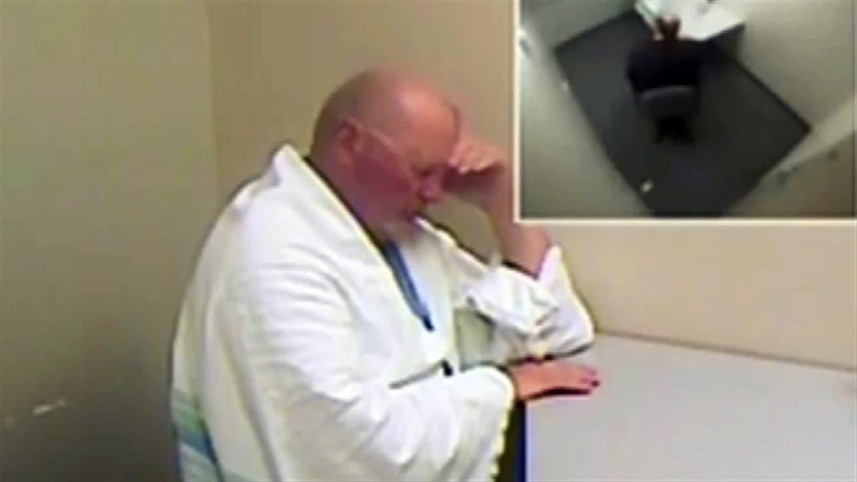 Richard Bain lors de son interrogatoire en 2012, deux jours après l'attaque.