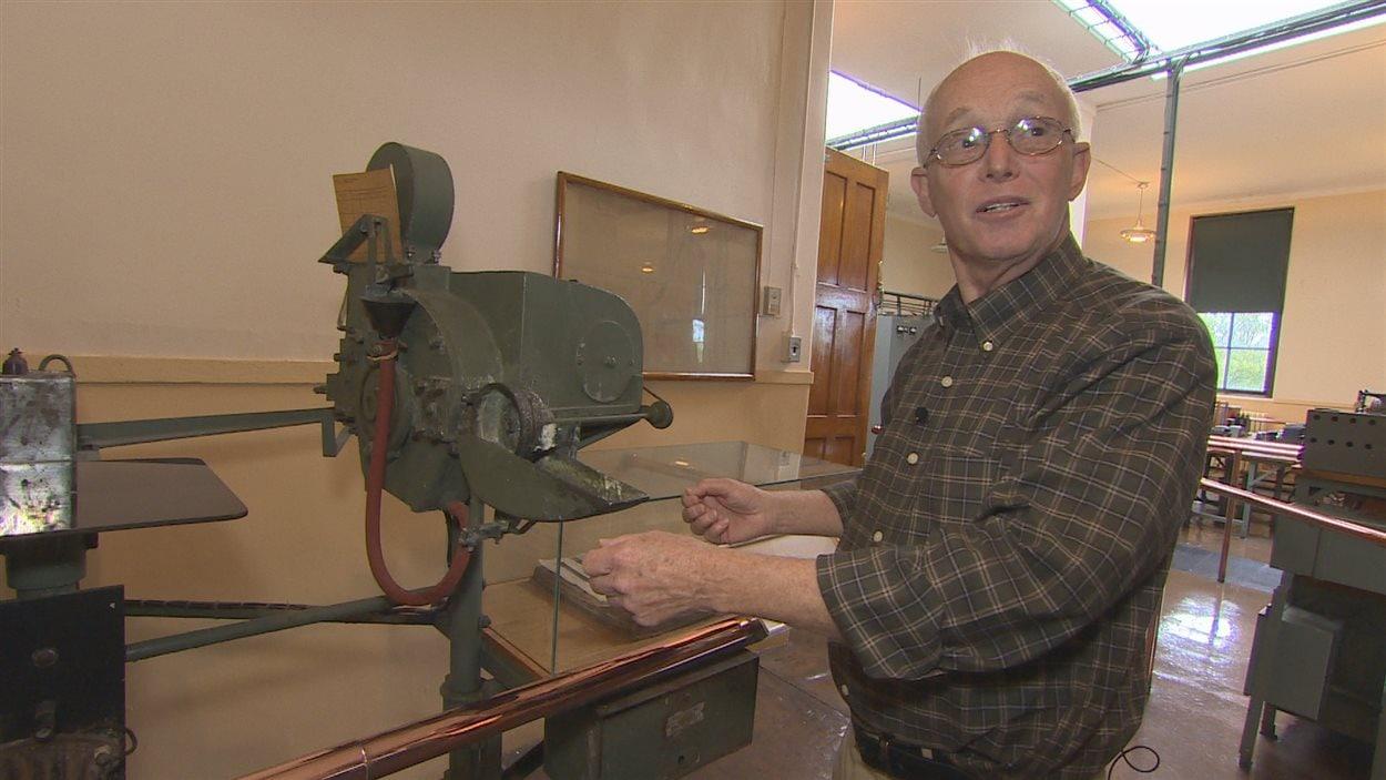 Art Tavenor écrivait des messages grâce à cette machine lorsqu'il travaillait à la station de câble-marin.