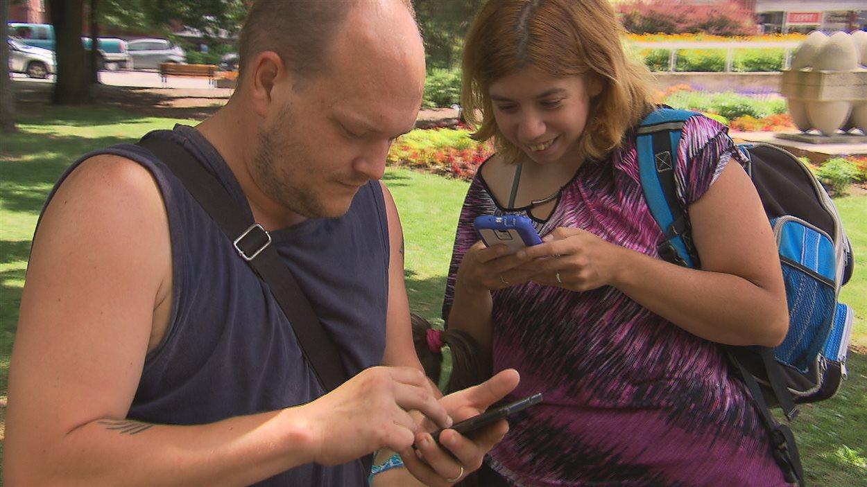 Des joueurs de Pokémon Go de Warwick en visite à Trois-Rivières pour jouer au jeu de réalité augmentée.