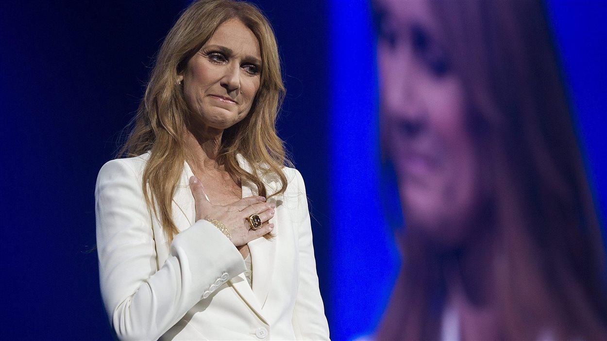 Céline Dion était au bord des larmes à plusieurs reprises pour son premier concert à Montréal depuis 8 ans.