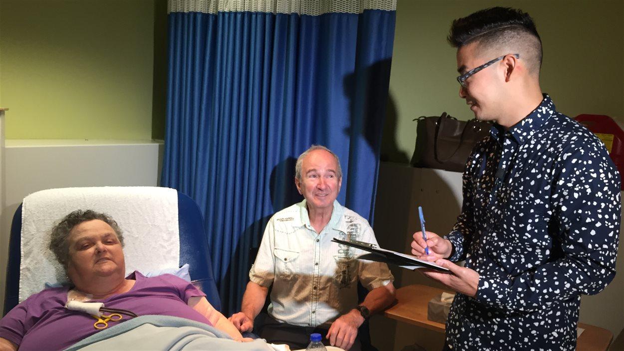 En dialyse trois fois par semaine, Thérèse Rondeau a aussi de la difficulté à marcher.