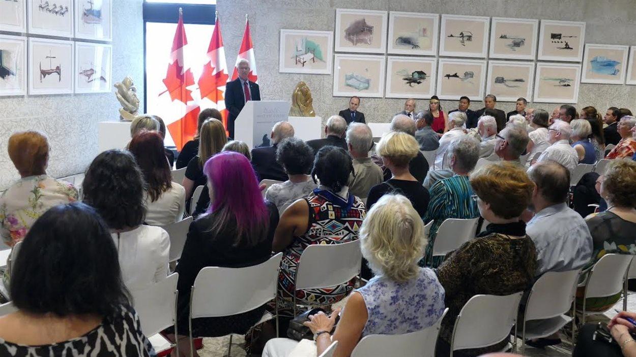 Le gouvernement fédéral annonce un engagement de 15 millions de $ pour un centre d'art inuit au Musée des beaux-arts de Winnipeg.