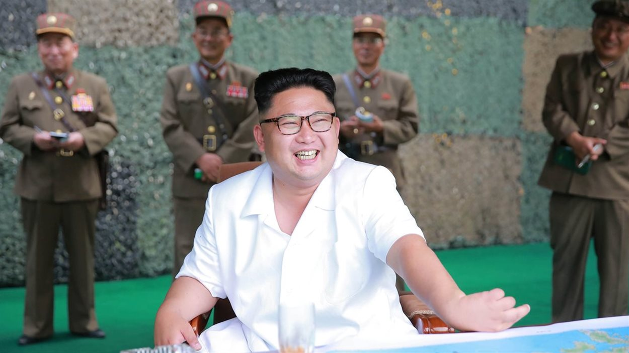Une photo de Kim Jong-un lors d'un exercice de tir balistique. Date indéterminée