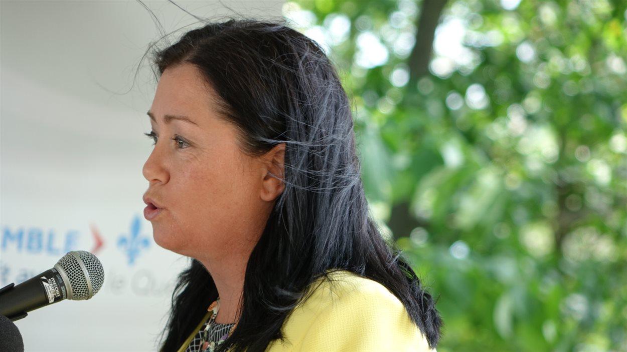 La mairesse de Magog, Vicky May Hamm