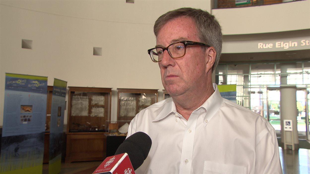 Le maire d'Ottawa est préoccupé, mais estime que sa ville est sécuritaire.
