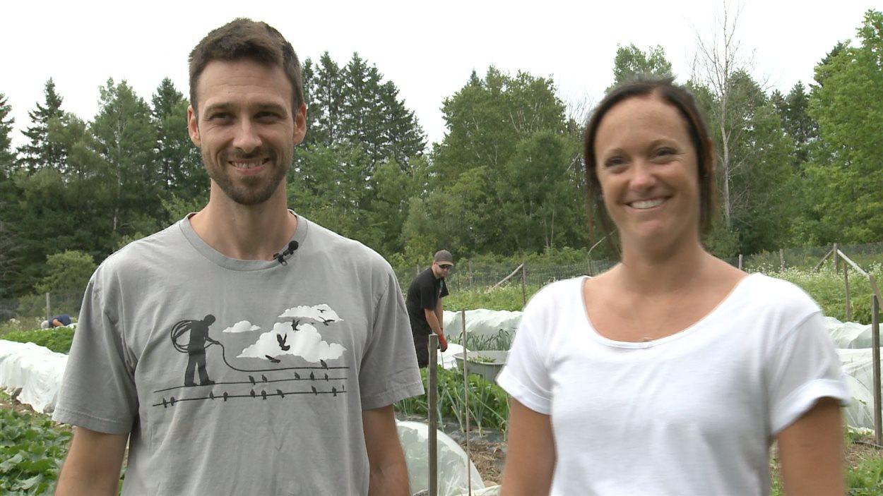 Yoan Boudrias et Chantale Prud'homme, conseillers en emploi pour Zone Emploi de la MRC d'Antoine-Labelle.