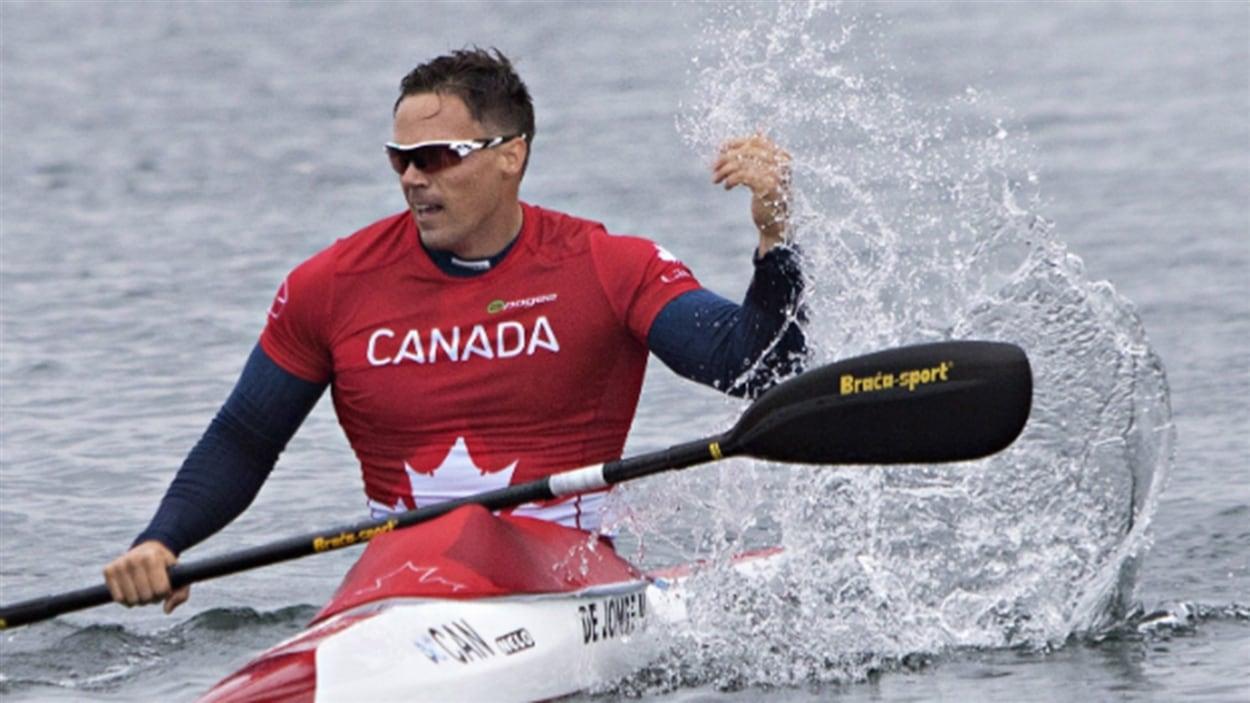 Mark de Jonge dans son kayak