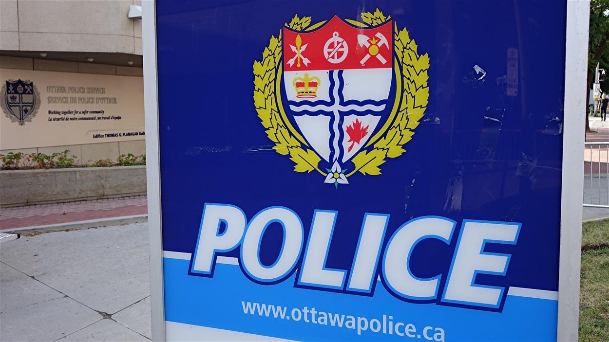 Quartier général du Service de police d'Ottawa, rue Elgin