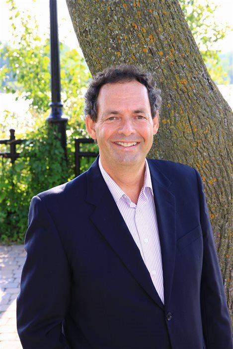 Le maire de Saint-Eustache et président du Conseil intermunicipal de transport des Laurentides, Pierre Charron