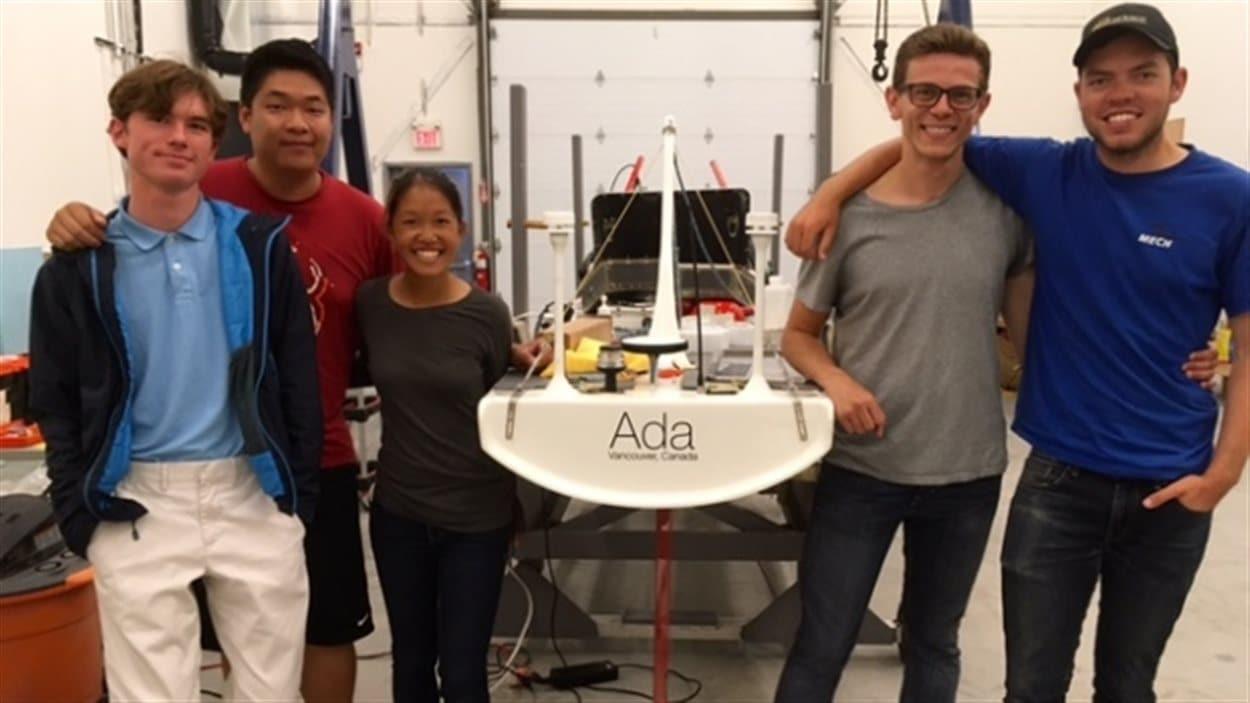 Les étudiants de UBC responsables du projet SailBot