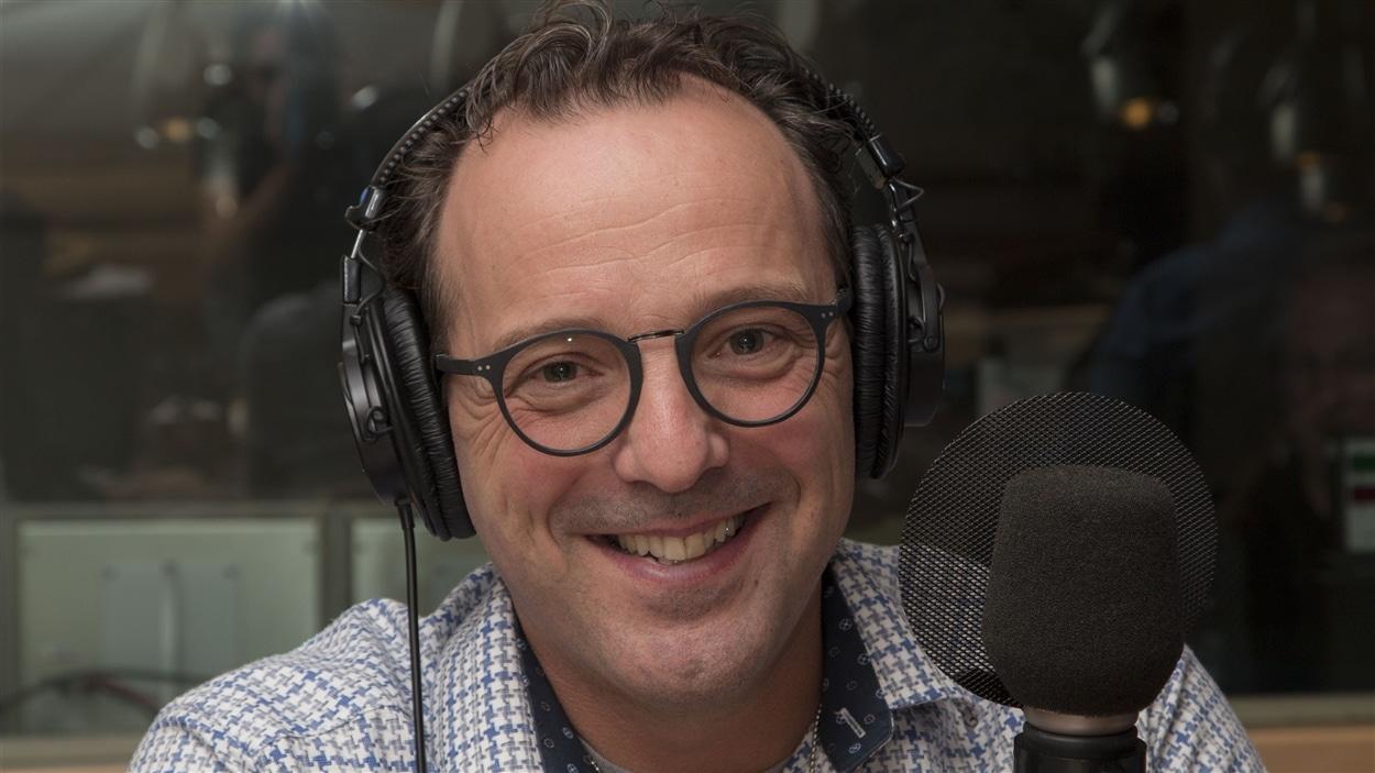 L'optométriste Karl Brousseau