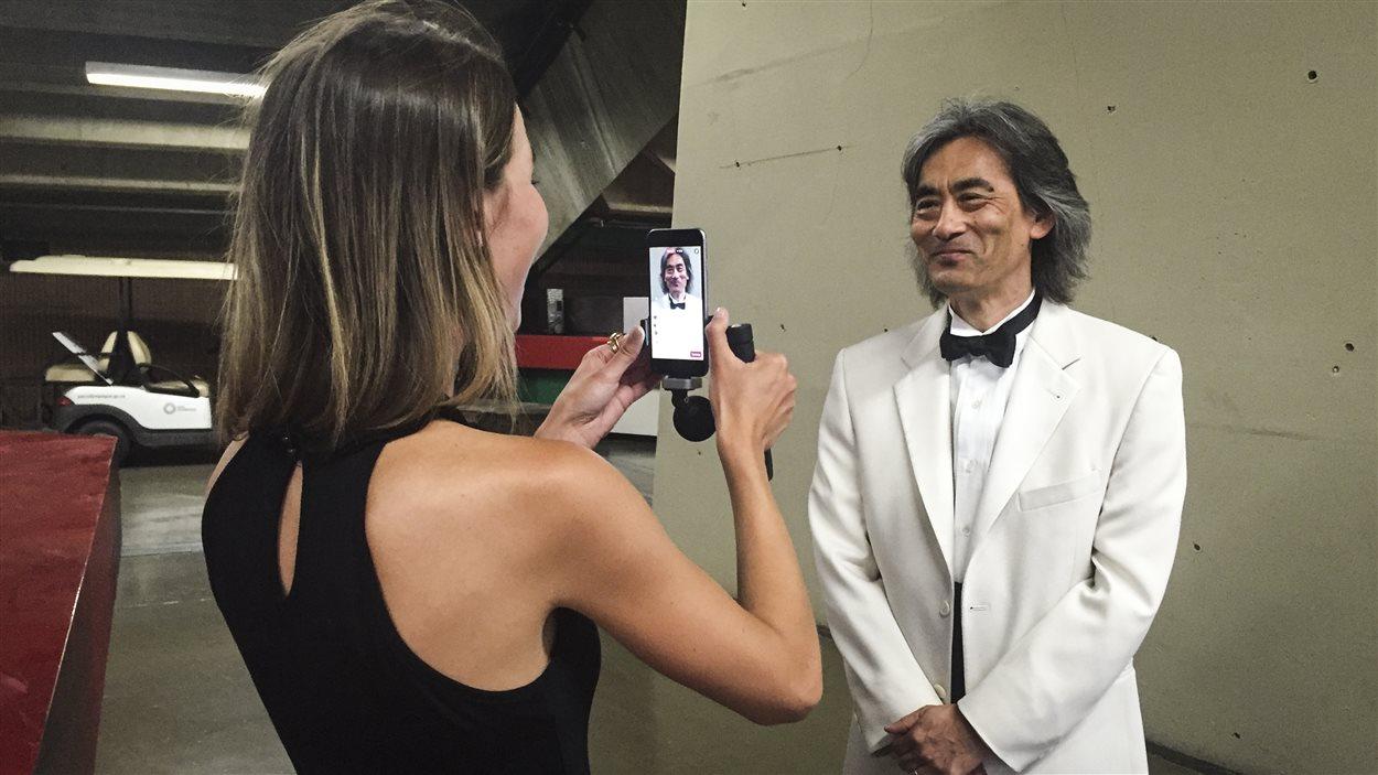 Marie-Ève Tremblay avec Kent Nagano pendant une diffusion en direct à l'occasion d'un concert de l'Orchestre symphonique de Montréal