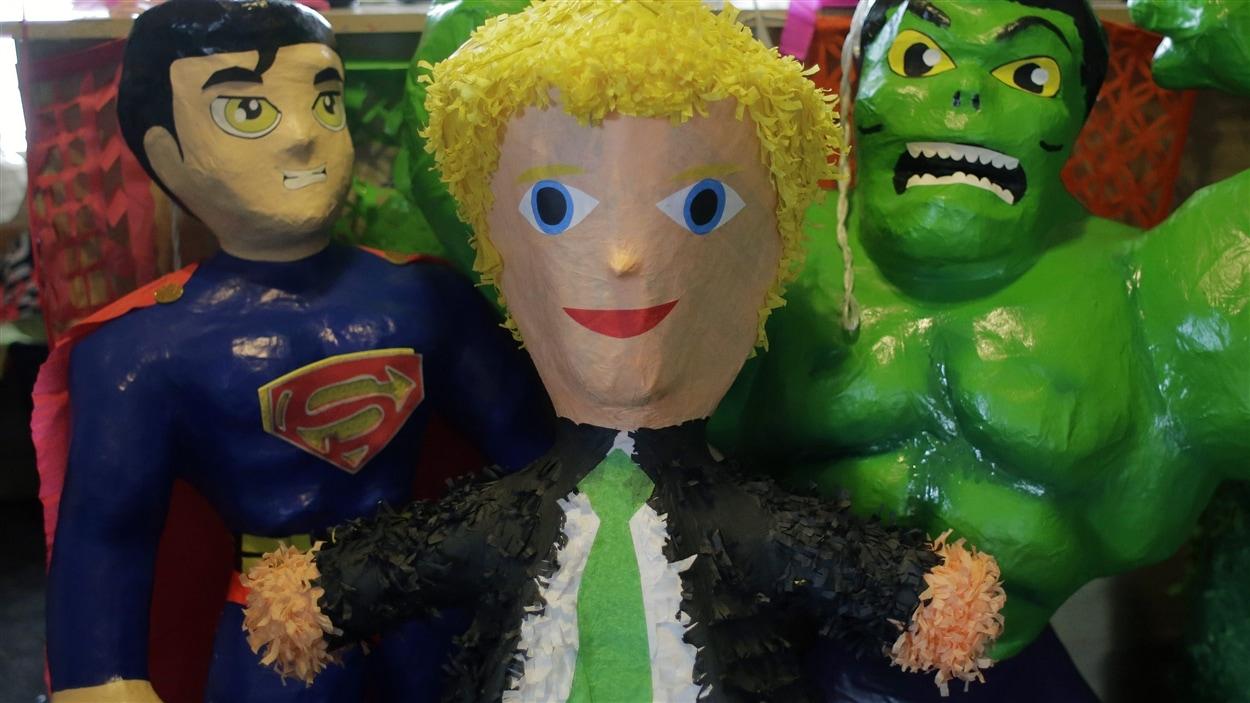 Une Piñata à l'effigie de Donald Trump