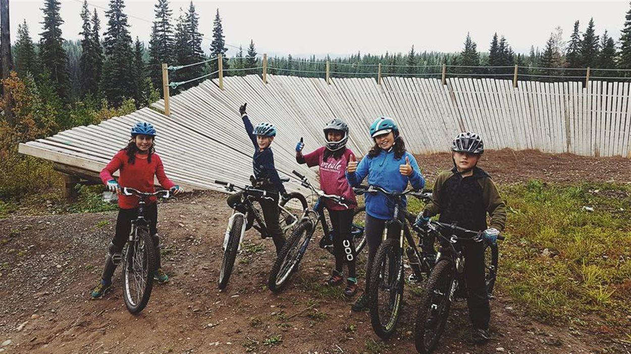 enfants en vélos