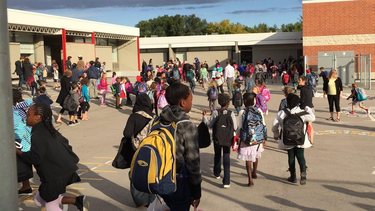Les élèves de l'école Taché proviennent de plusieurs pays différents.