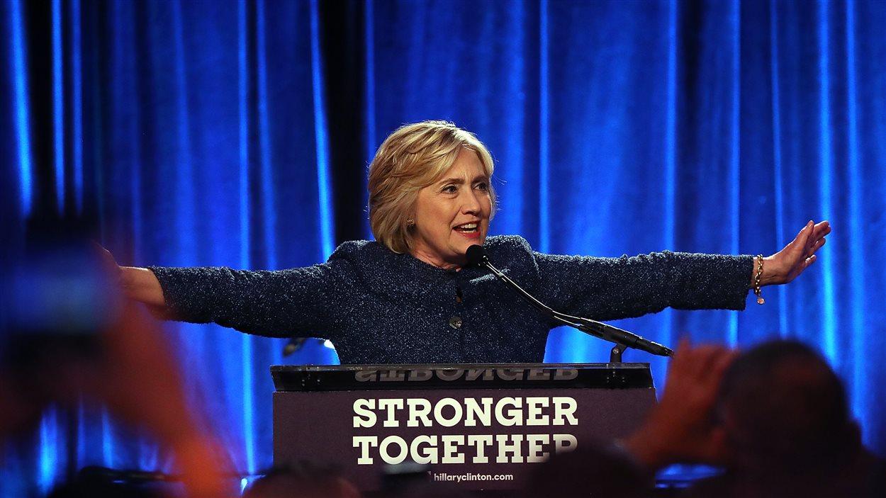 La candidate démocrate à la présidentielle américaine, Hillary Clinton, a pris la parole lors d'un événement de la communauté LGBT dans un restaurant de New York vendredi soir.