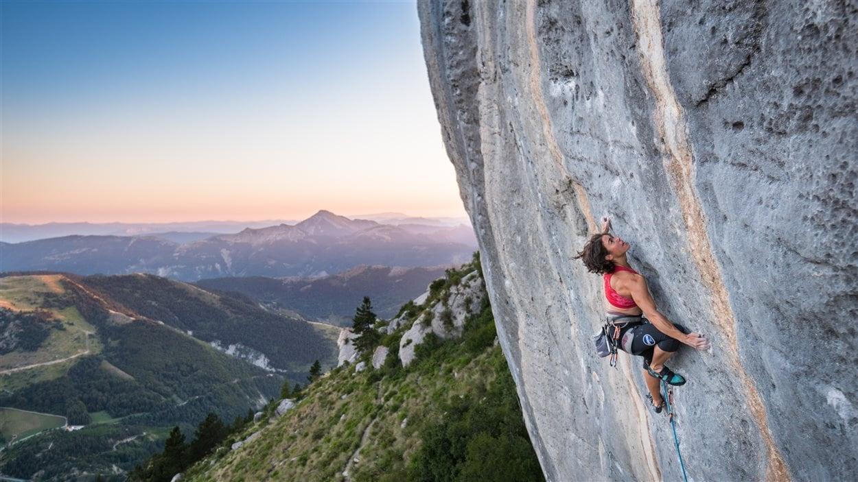 La Sherbrookoise Annie Chouinard sur la montagne de Céüse, en France, en 2016.