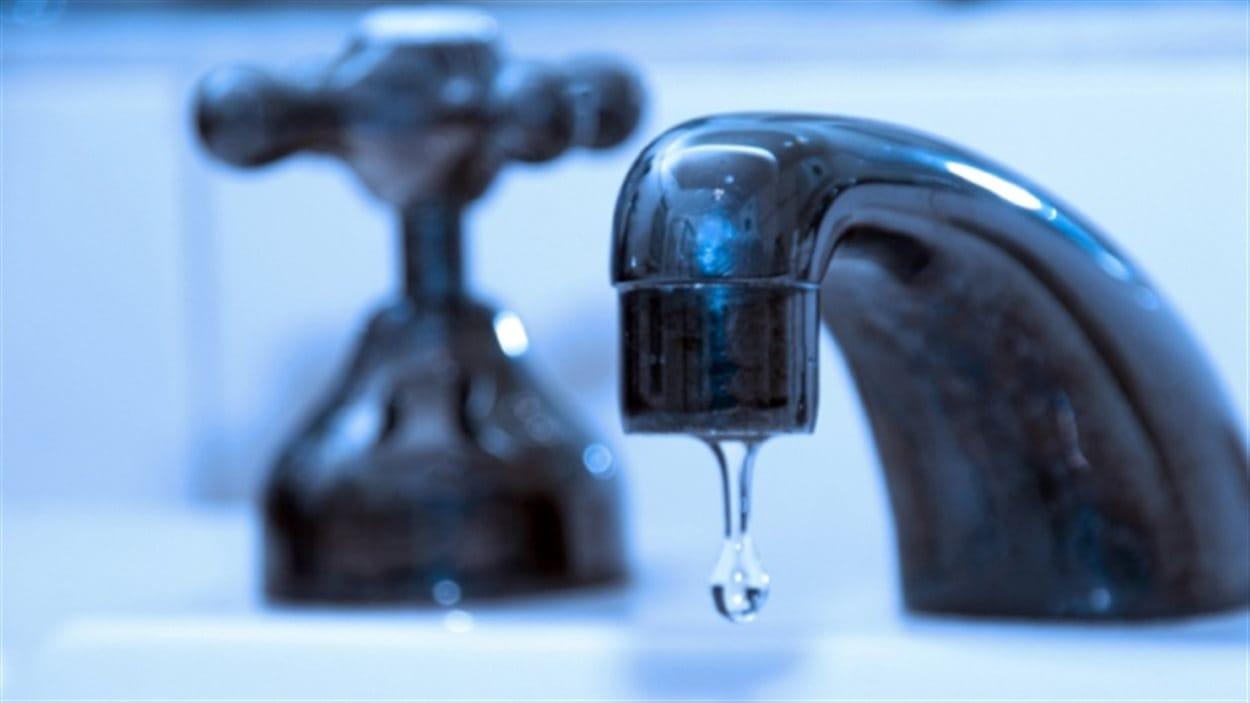 La commission Halifax Water demande aussi aux citoyens de faire attention à leur consommation d'eau à l'intérieur de la maison.