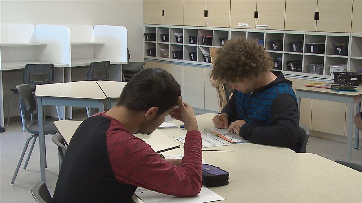 Les jeunes qui étudient à l'école de la Cité participent à des ateleirs pour les préparer au marché du travail.