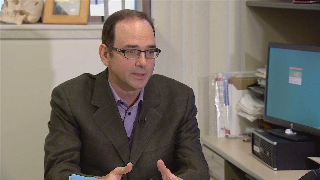 Le médecin et professeur de chirurgie Jeffrey Harris de l'Université de l'Alberta.