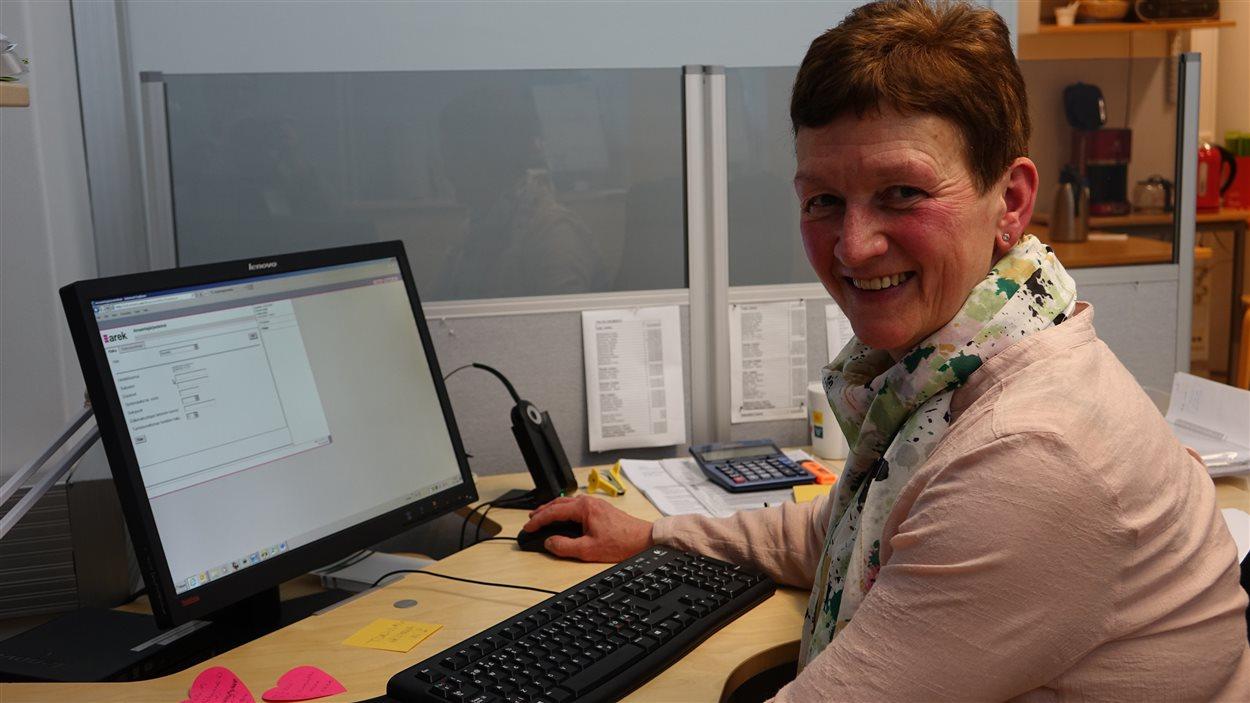 Baril Dinker employée chez l'assureur Veritas, à Turku.