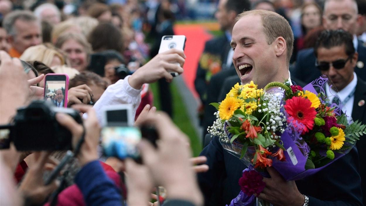 Le prince William a presque eu droit à un bain de foule.