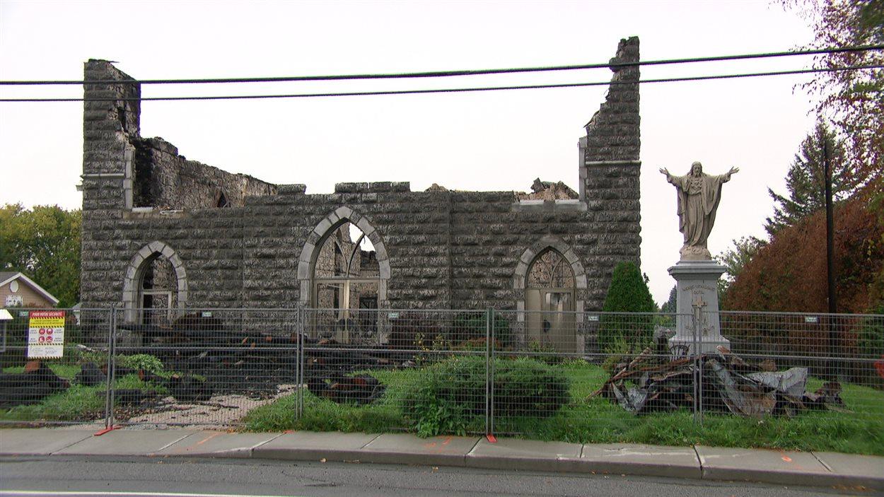 Les ruines seront démolies lundi.
