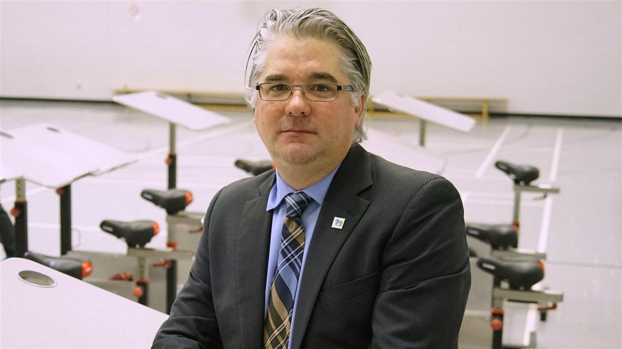 Steve Ahern, directeur, écoles Richard et Sainte-Marie