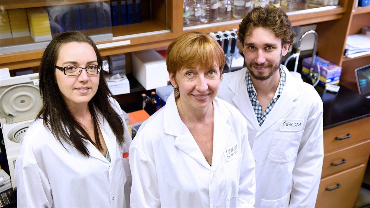 La chercheuse Annie Dumouchel, la professeure Marie Kmita et le chercheur Yacine Kherdjemil
