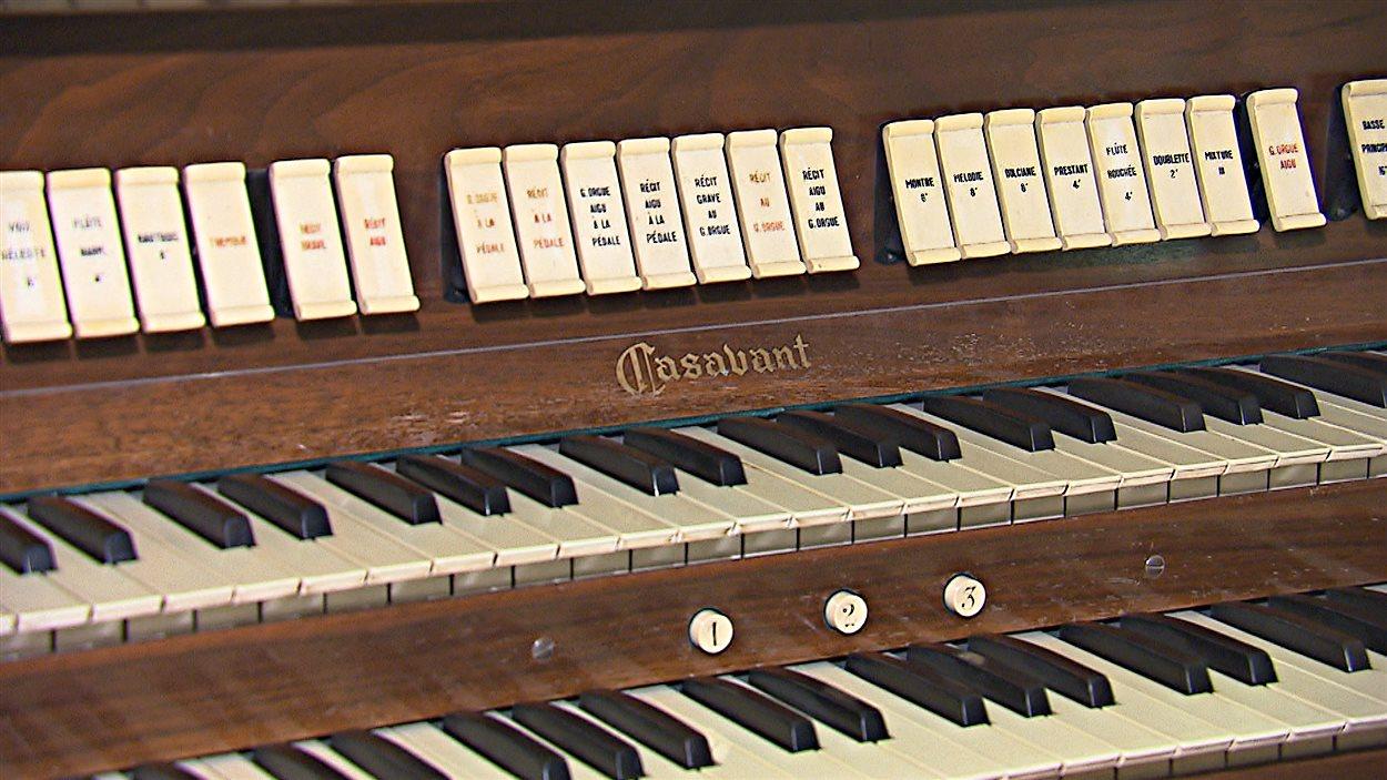 Le clavier de l'orgue Casavant de l'église Sainte-Jeanne-d'Arc de Sherbrooke