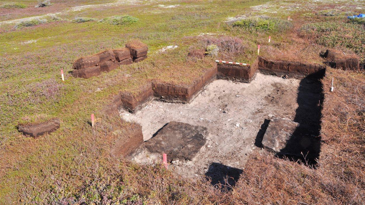 Fouilles archéologiques à l'île Nu