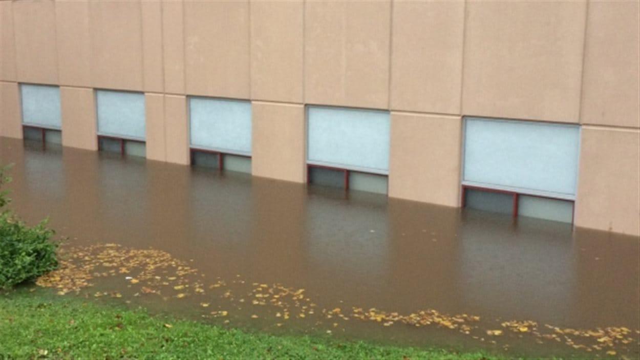 L'école Brookland à Sydney est fermée pour la journée en raison des inondations