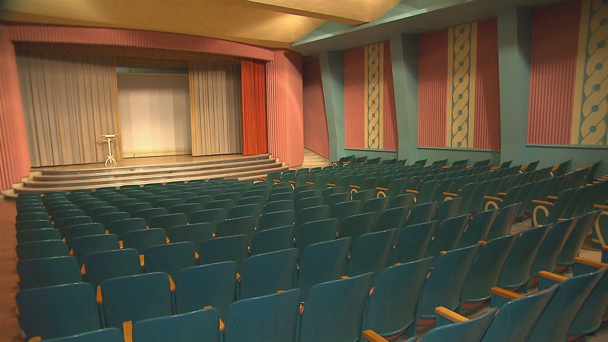 L'édifice des Soeurs de Notre-Dame-du-Bon-Conseil abrite une salle de spectacle de 400 places.