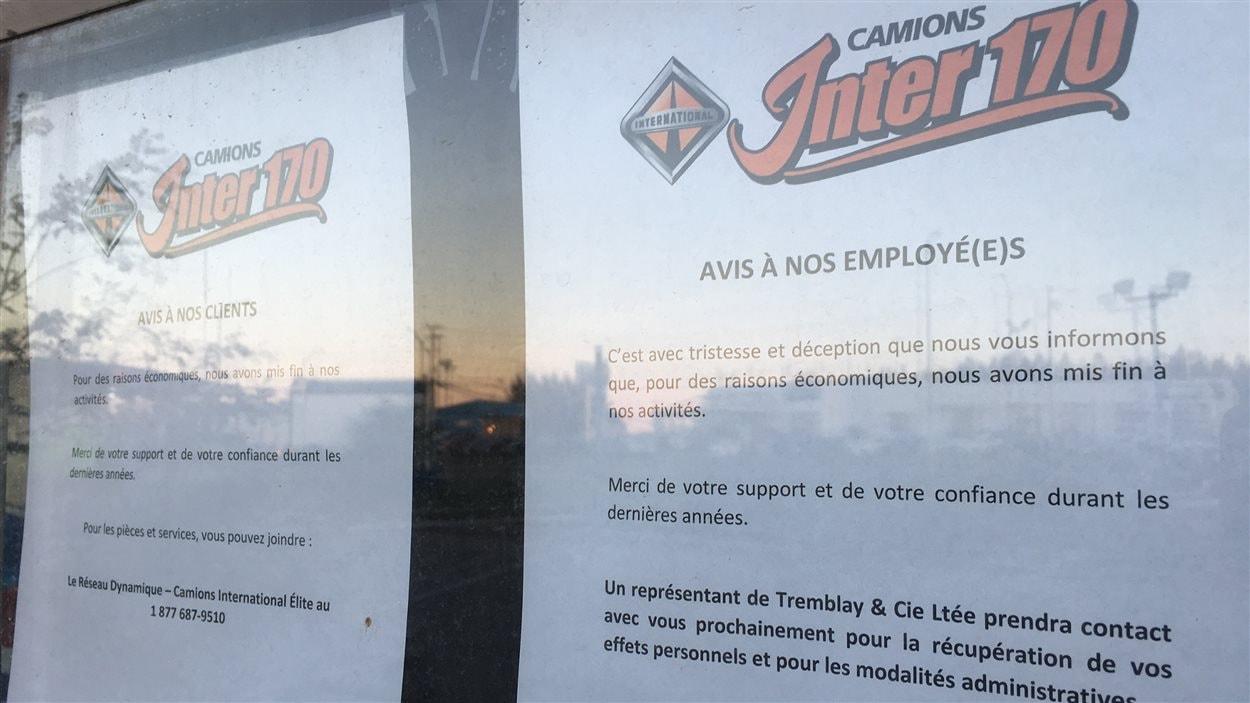 Les employés de Camions Inter 170 ont été informés de la fermeture par un avis dans la fenêtre.