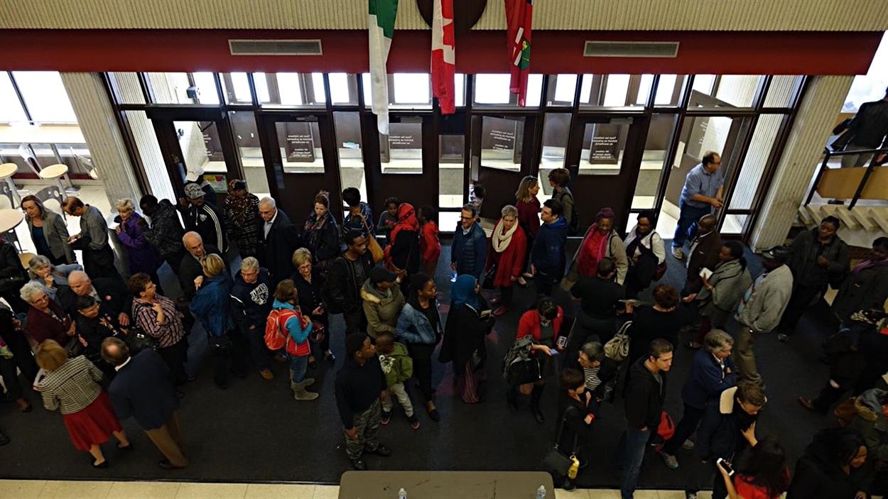 La file pour élire la candidate libérale dans Ottawa-Vanier