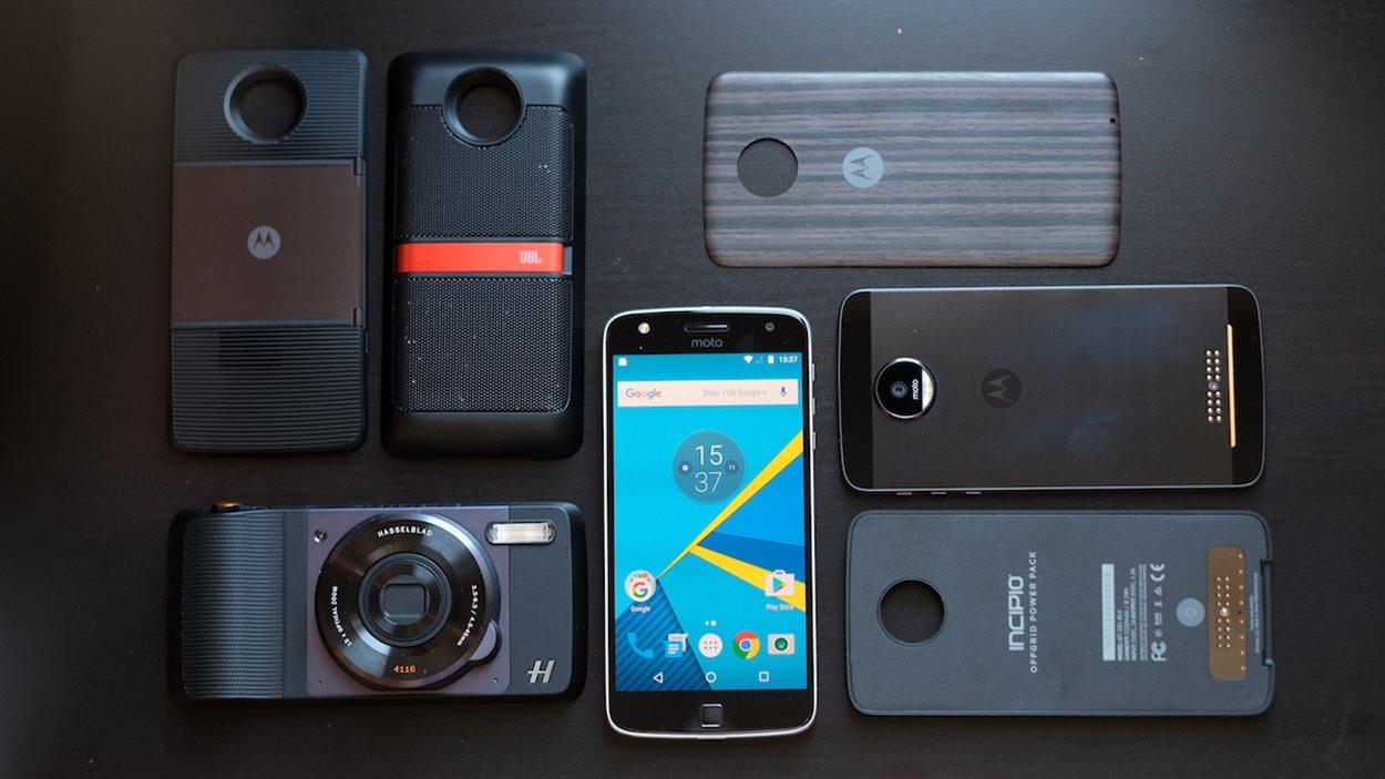 Les téléphones Moto Z, Moto Z Play et leurs accessoires Moto Mods