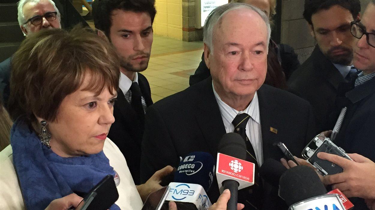 La ministre Hélène David et le recteur Daniel Bière répondent aux questions des journalistes.