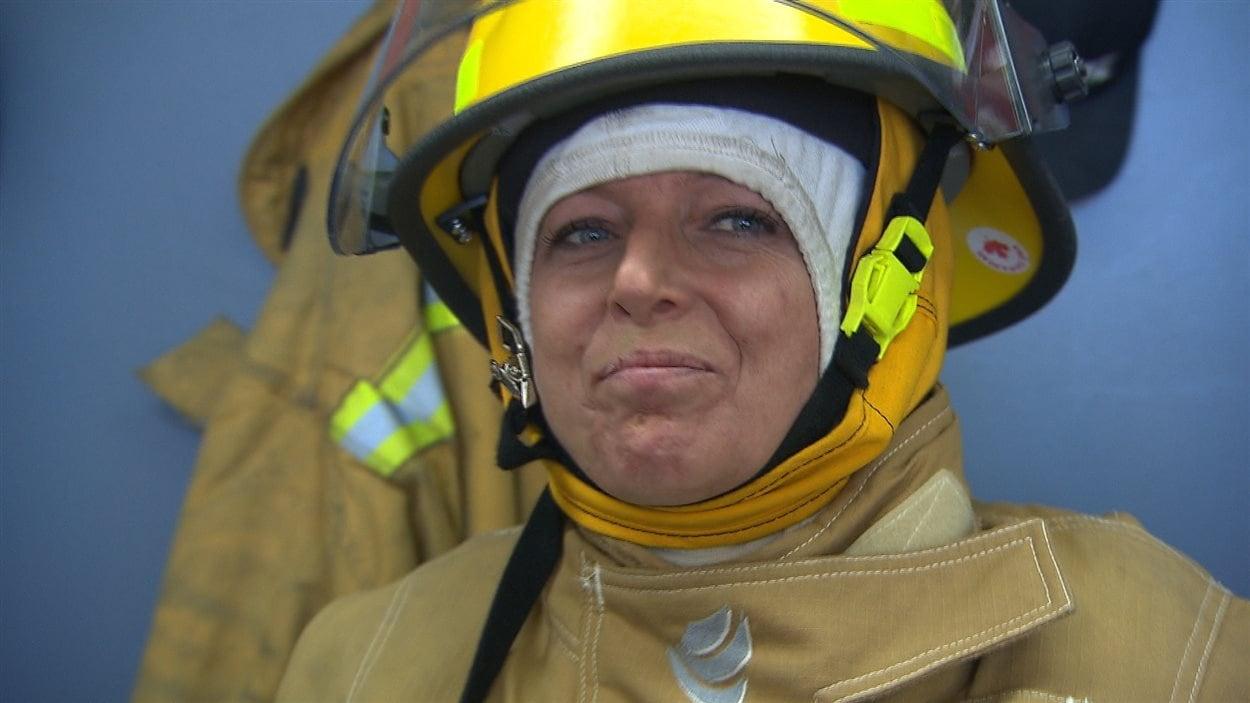 Mélanie Dechantale, pompière volontaire à la caserne de Longue-Pointe-de-Mingan