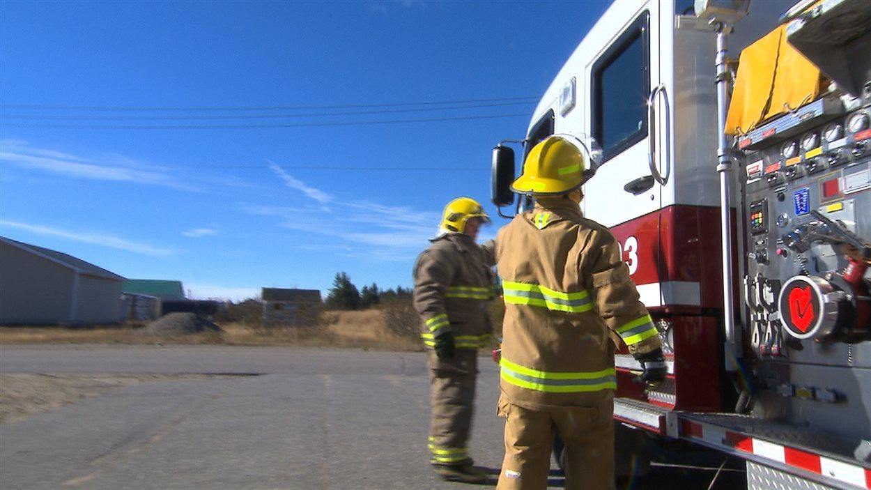 Les pompiers volontaires de la caserne de Longue-Pointe-de-Mingan
