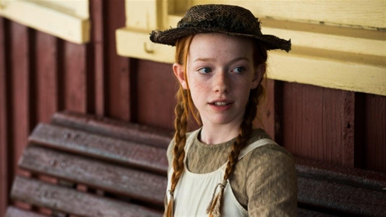 Amybeth McNulty dans le rôle d'Anne Shirley (« Anne, la maison aux pignons verts »)