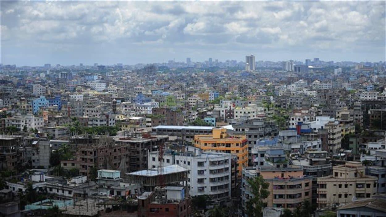 Des immeubles de Dacca, capitale du Bangladesh, le 20 septembre 2010