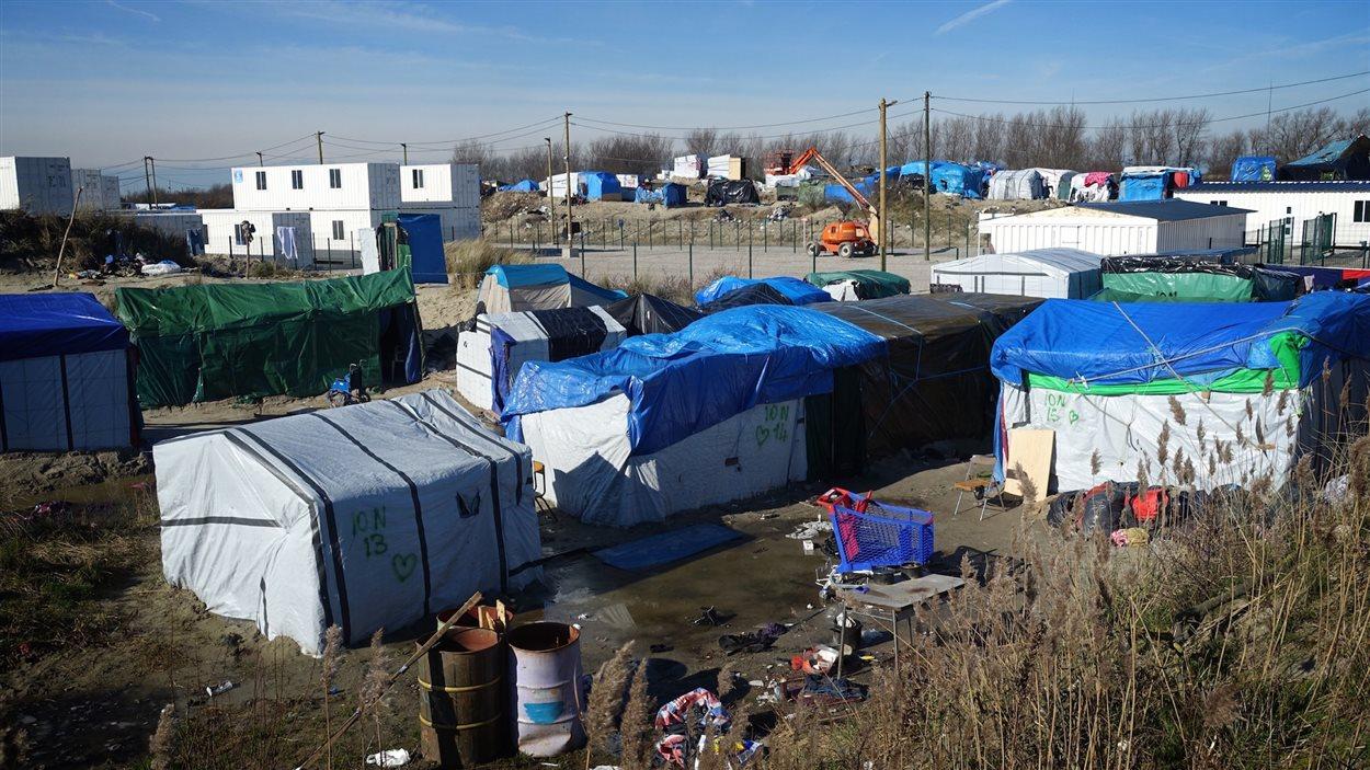 Vue de la «jungle», le camp de migrants à Calais
