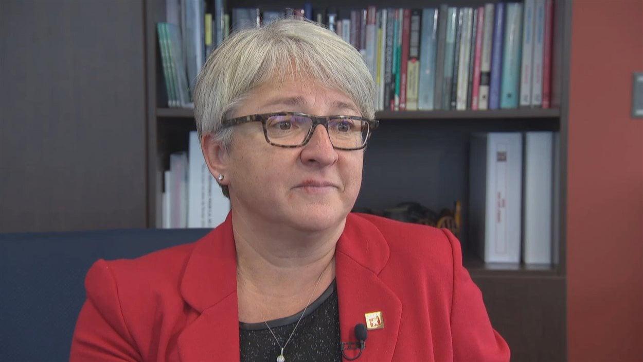 Édith Dumont du Conseil des écoles publiques de l'Est de l'Ontario