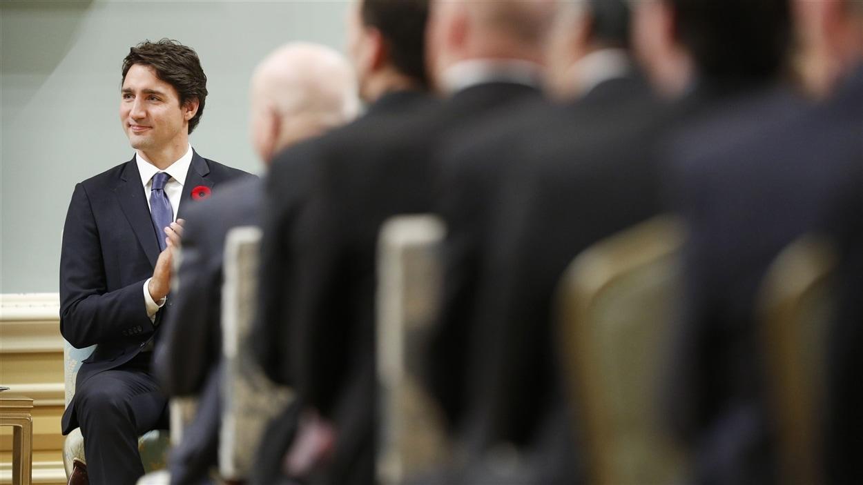 Justin Trudeau a nommé autant de femmes que d'hommes dans son cabinet au mois de novembre 2015.
