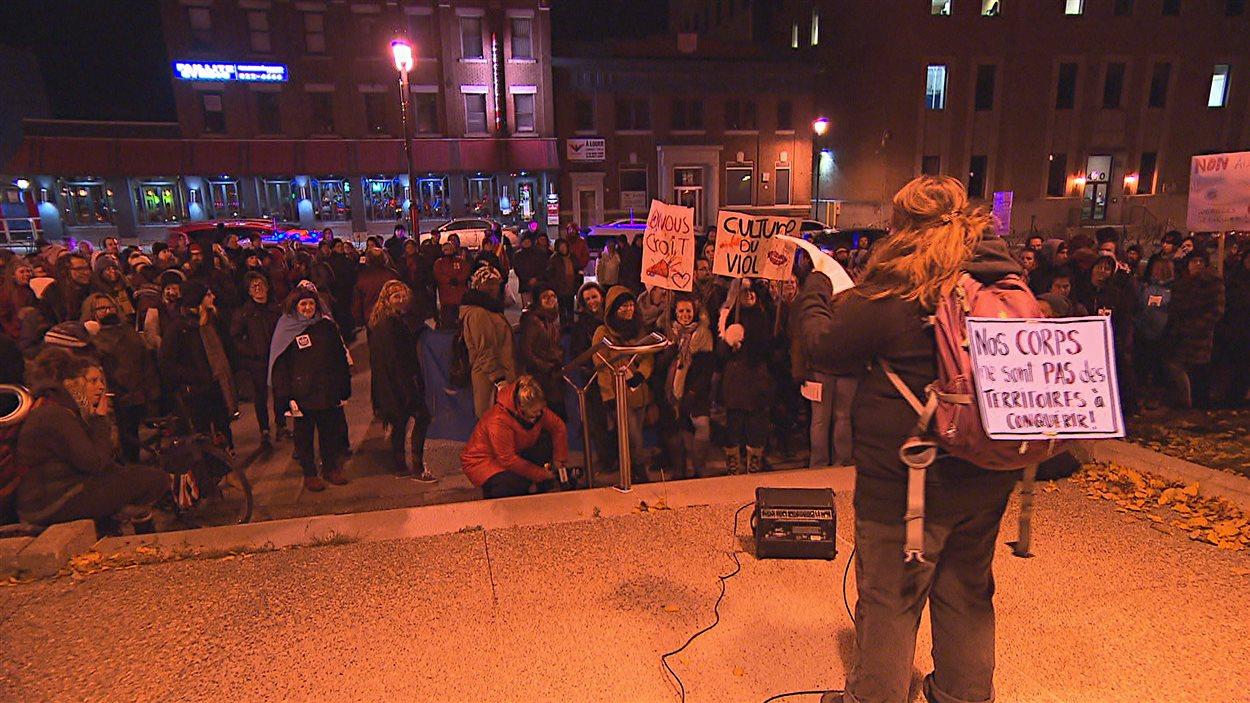 des centaines de sherbrookois d u00e9noncent la culture du viol