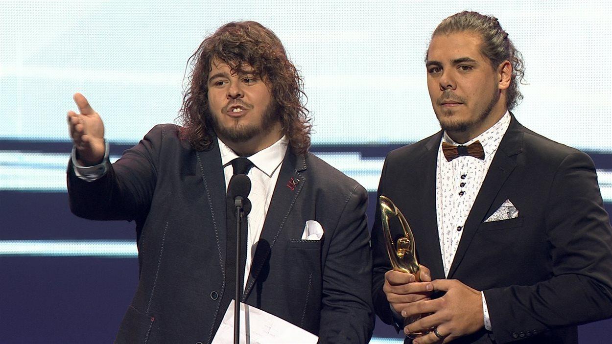 Les 2Frères ont reçu le Félix de l'album pop de l'année pour Nous autres.
