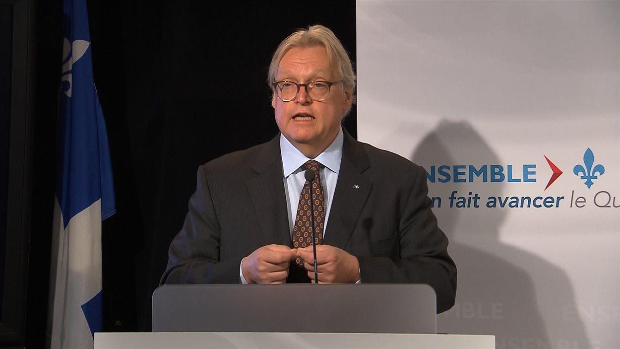 Le ministre de la Santé du Québec, Gaétan Barrette, fait le point sur les négociations qui s'ouvrent avec les médecins.