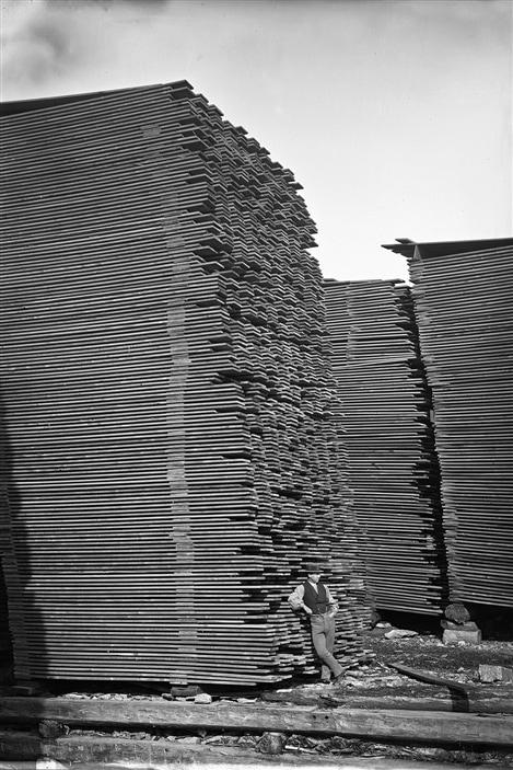 Piles de bois d'oeuvre, Ottawa, Ontario, 1872