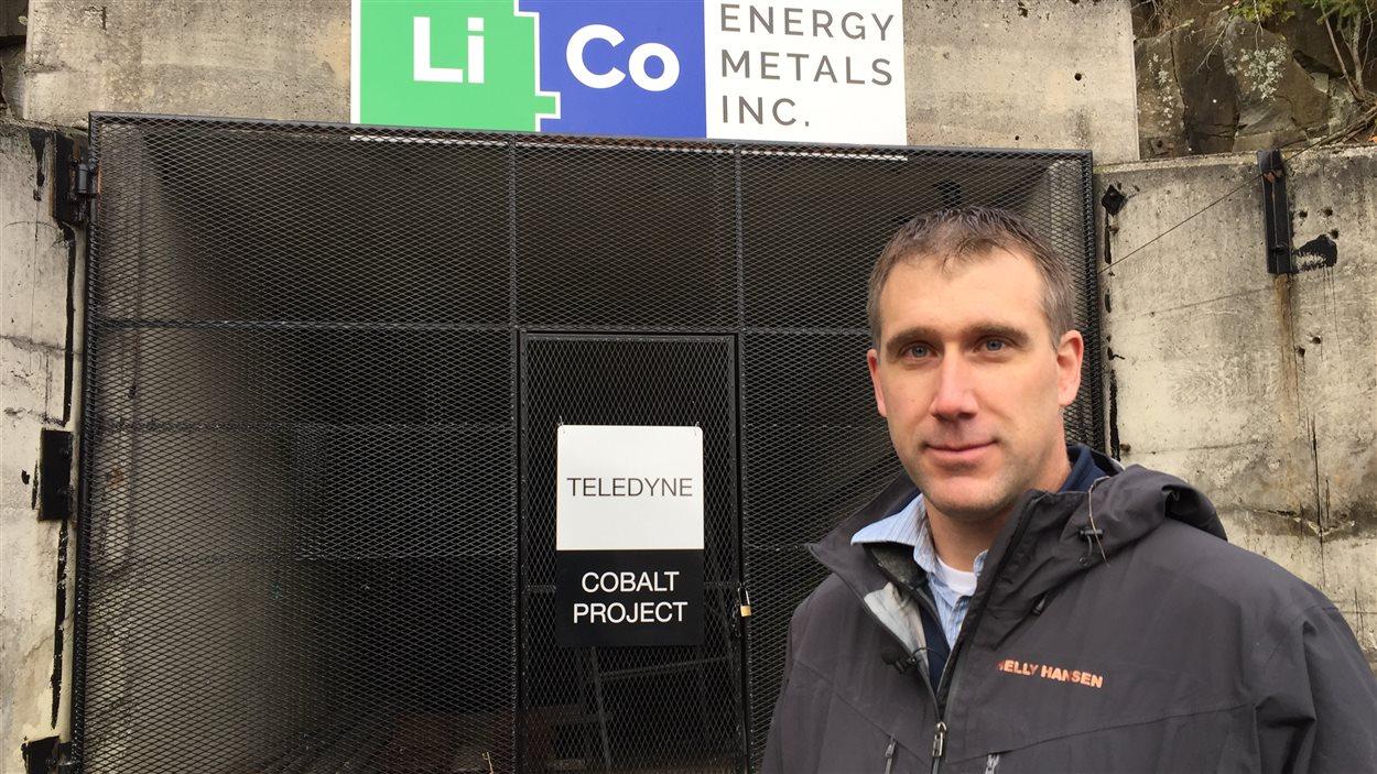 Joerg Kleinboeck, géologue engagé par la compagnie LiCo Energy Metals.